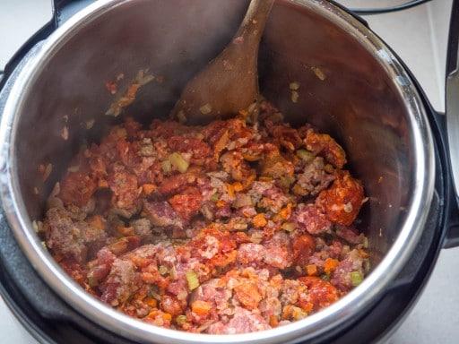 Pressure-Cooker-Italian-Meat-Sauce-1000898